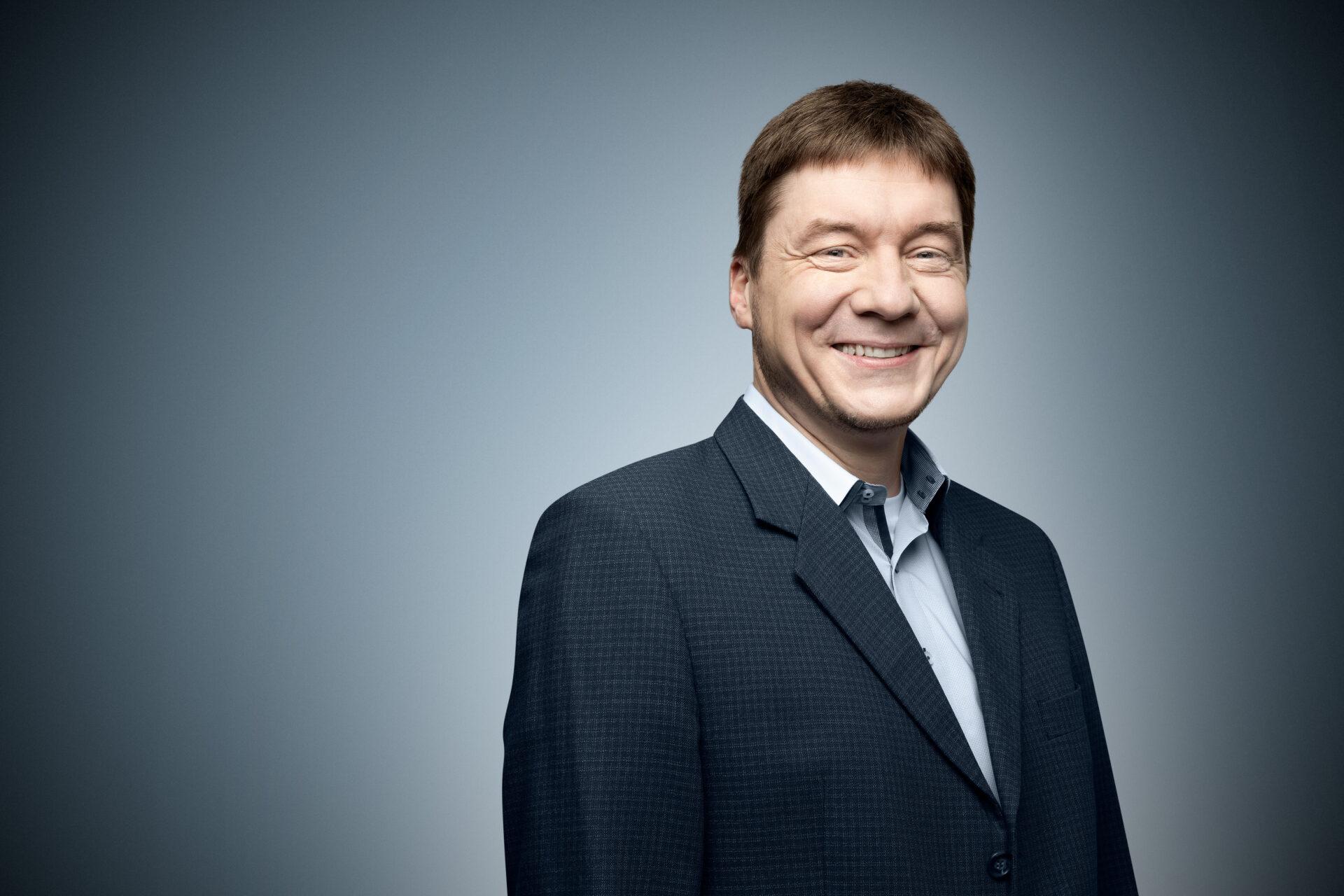 Thorsten Borges Dr Gemmeke GmbH Business Portrait Jerome Courtois Photography 700x467 1